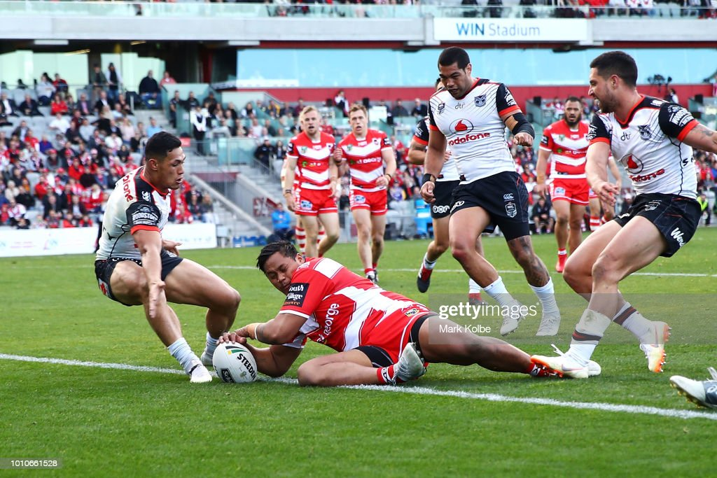 Luciano Leilua of the Dragons scores a try during the round 21 NRL match between the St George Illawarra Dragons and the New Zealand Warriors at WIN Stadium on August 4, 2018 in Wollongong, Australia.