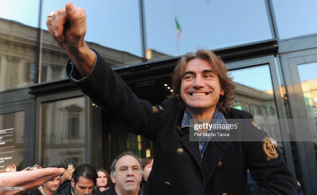 Luciano Ligabue Fans Gather In Piazza Duomo