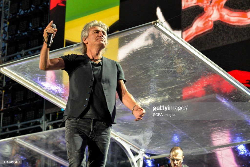 Luciano Ligabue performs live on stage at the Stadio... : News Photo