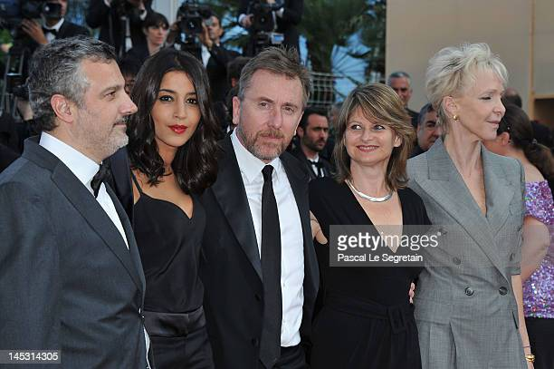 Luciano Monteagudo Leïla Bekhti Tim Roth Sylvie Pras and Tonie Marshall attends the 'Mud' Premiere during the 65th Annual Cannes Film Festival at...
