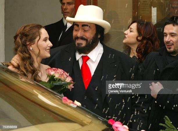 Luciano pavarotti marries nicoletta mantovani stock photos for Luciano pavarotti nicoletta mantovani