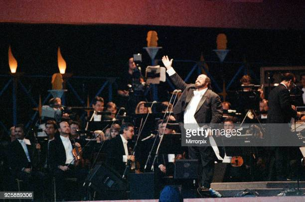 Luciano Pavarotti the Italian operatic tenor singing at an outdoor concert in London's Hyde Park This was a free concert to celebrate his 30 years in...