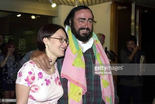 Luciano Pavarotti with his wife Nicoletta Mantovani