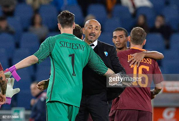 Luciano Spalletti compliments with Wojciech Szczesny during the Italian Serie A football match between AS Roma and FC Bologna at the Olympic Stadium...