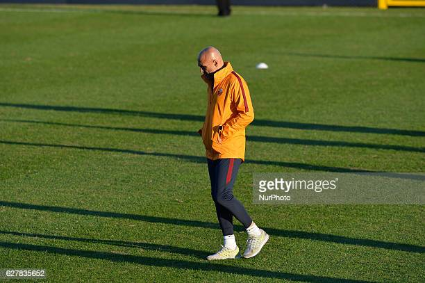 Luciano Spalletti during training session open to the fans of AS Roma post victory in the derby at Stadio Tre Fontane on december 05 2016 in Rome...