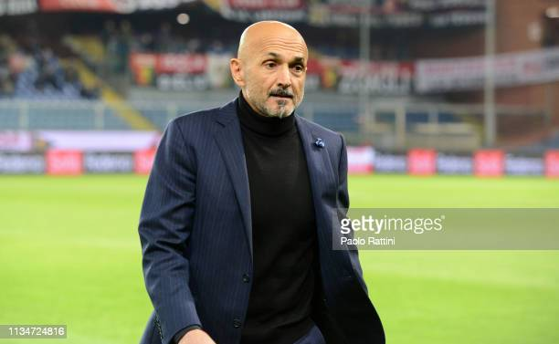 Luciano Spalletti head coach of FC Internazionale looks on during the Serie A match between Genoa CFC and FC Internazionale at Stadio Luigi Ferraris...
