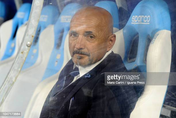 Luciano Spalletti head coach of FC Internazionale looks on prior the beginning of the Serie A match between SPAL and FC Internazionale at Stadio...