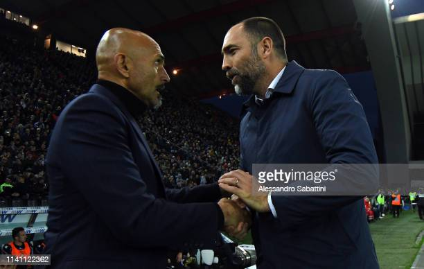 Luciano Spalletti head coach of FC Internazionale shankes hands with Igor Tudor head coach of Udinese Calcio during the Serie A match between Udinese...