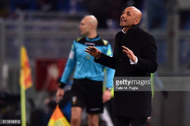 Luciano Spalletti head coach of Roma innsues instructions during the Serie A match between AS Roma and US Citta di Palermo at Stadio Olimpico on...