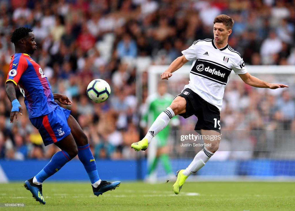 Fulham FC v Crystal Palace - Premier League : News Photo
