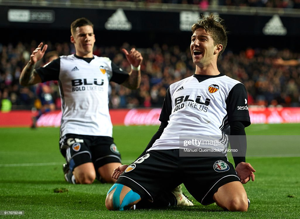 Luciano Vietto of Valencia celebrates after scoring his sides second goal during the La Liga match between Valencia and Levante at Mestalla Stadium on February 11, 2018 in Valencia, Spain.