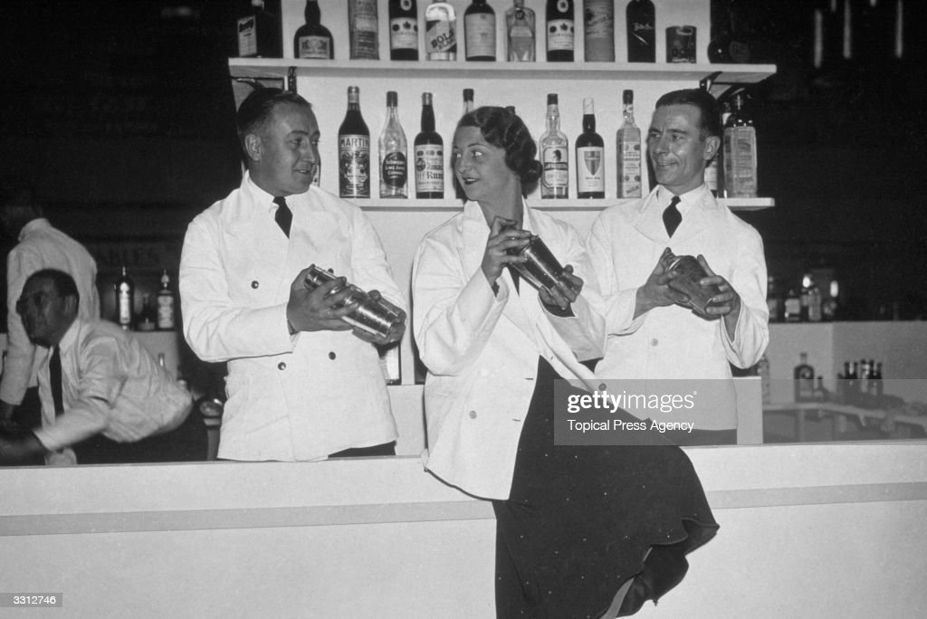 Cocktail Shakers : News Photo