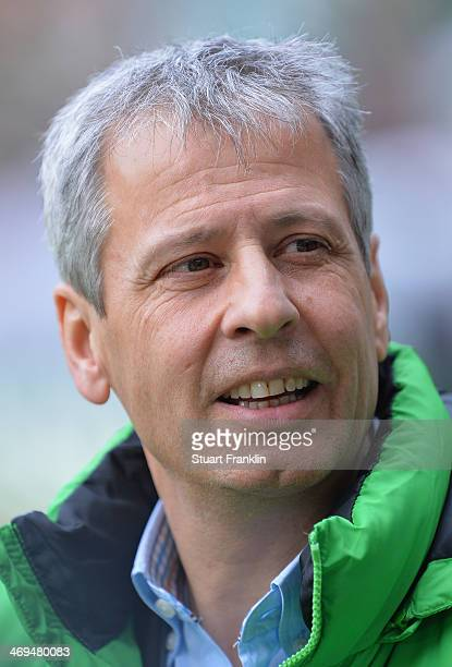 Lucien Favre head coach of Gladbach looks on during the Bundesliga match between Werder Bremen and Borussia Moenchengladbach at Weserstadion on...