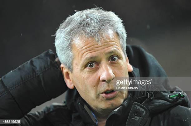 Lucien Favre head coach of Gladbach ponders during the Bundesliga match between Hannover 96 and Borussia Moenchengladbach at HDIArena on November 8...