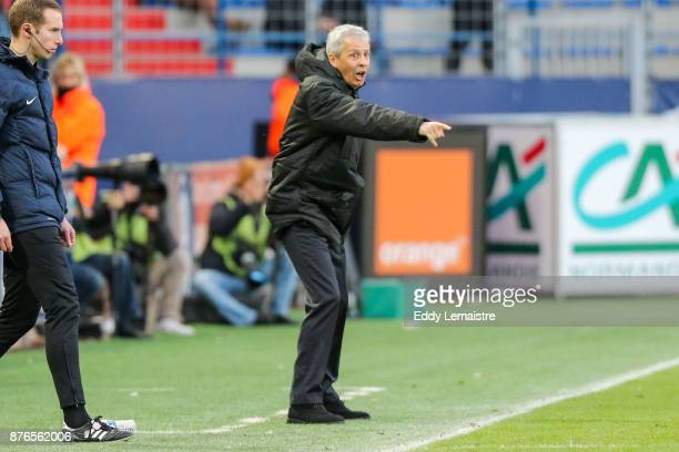 Lucien Favre headcoach of Nice during the Ligue 1 match between SM Caen and OGC Nice at Stade Michel D'Ornano on November 19 2017 in Caen