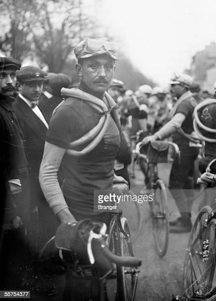 Lucien PetitBreton French racing cyclist Chases ParisRoubaix 1912 BRA71942