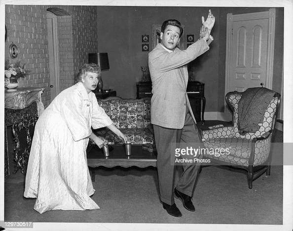 i love lucy living room lucille and arnaz in i pictures 21648