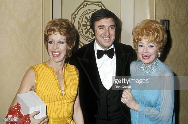 Lucille Ball Guest and Carol Burnett during International Radio and TV Society Gold Medal Awards at Waldorf Astoria in New York City New York United...
