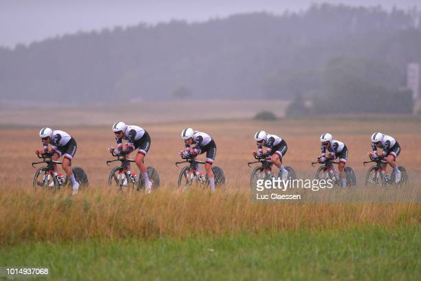 Lucinda Brand of The Netherlands and Team Sunweb / Leah Kirchmann of Canada and Team Sunweb / Juliette Labous of France and Team Sunweb / Floortje...