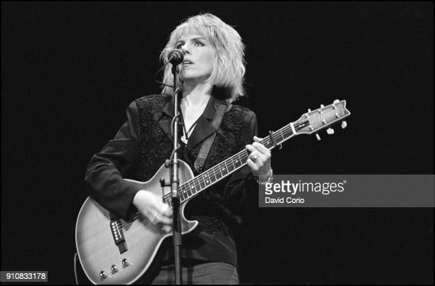 Lucinda Williams performing at Town Hall NYC on 20 February 1993