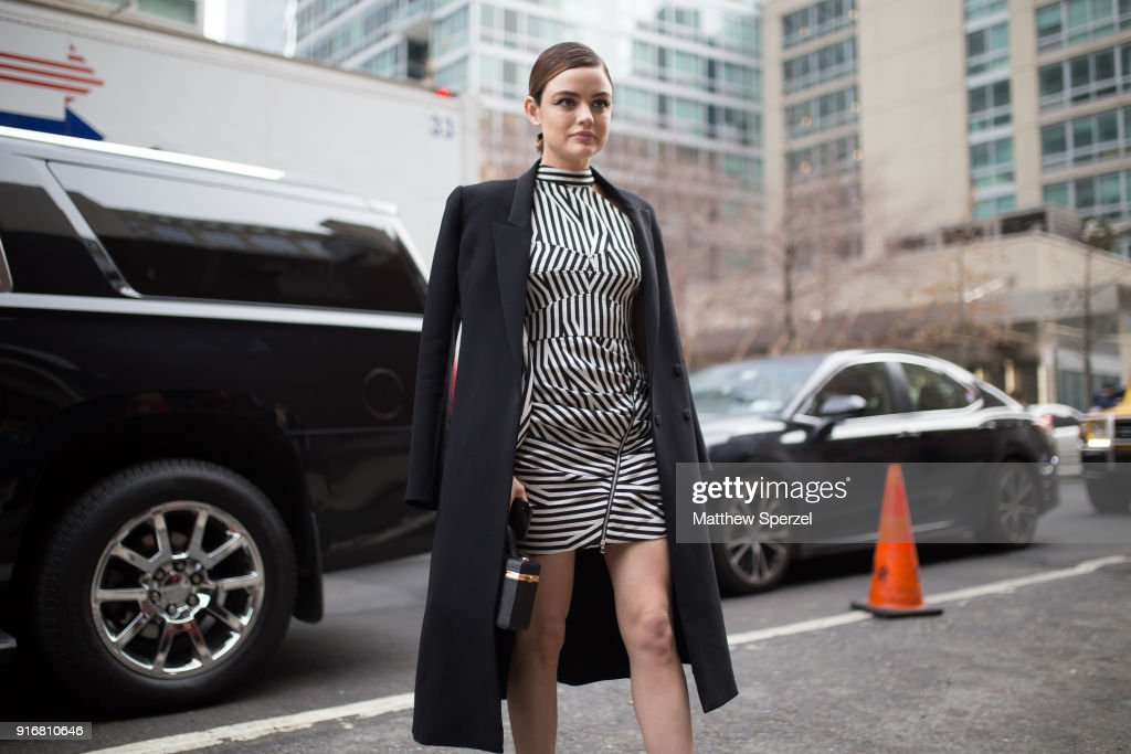 38c192a569814 Street Style - New York Fashion Week February 2018 - Day 3 : News Photo