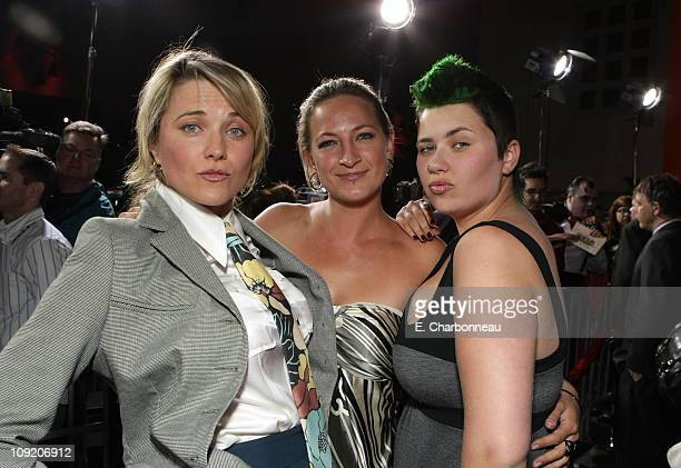 Lucy Lawless Zoe Bell and Daisy Lawless at the 30 Days of Night premiere at Grauman's Chinese Theatre on October 16 2007 in Hollywood California