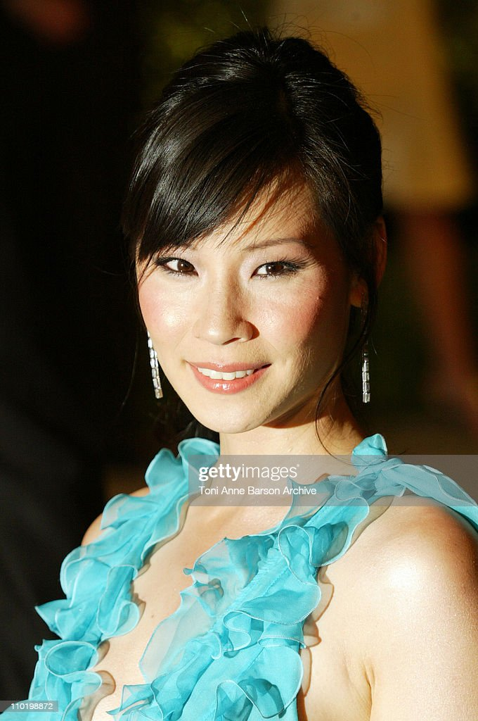 Lucy Liu during 2004 Vanity Fair Oscar Party - Arrivals at Mortons in Beverly Hills, California, United States.