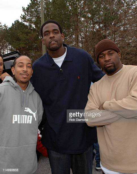Ludacris Chris Webber and David Banner during LudaChrisMiss in DeKalb County Ludacris Chris Webber and David Banner give kids a Merry Christmas at...