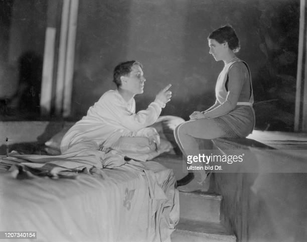Ludmilla Pitoeff *25121895 French actress with husband Georges Piteoff *04091884 Ffrench actor in a play together on stage Vintage property of...