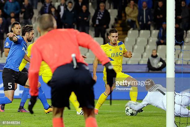 Ludovic Butelle goalkeeper of Club Brugge in action pictured during the UEFA Champions League Group G stage match between Club Brugge and FC Porto at...