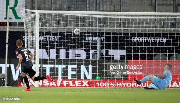 Ludwig Augustinsson of Bremen scores the 2nd goal during the Bundesliga playoff second leg match between 1. FC Heidenheim and Werder Bremen at...