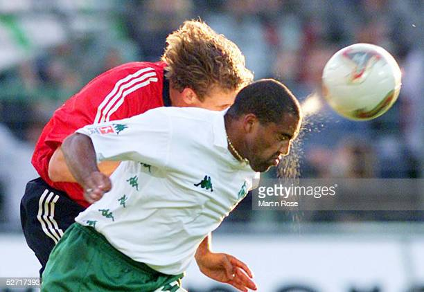 POKAL 2002 Luebeck BAYER 04 LEVERKUSEN SV WERDER BREMEN Thomas KLEINE/LEVERKUSEN AILTON/BREMEN