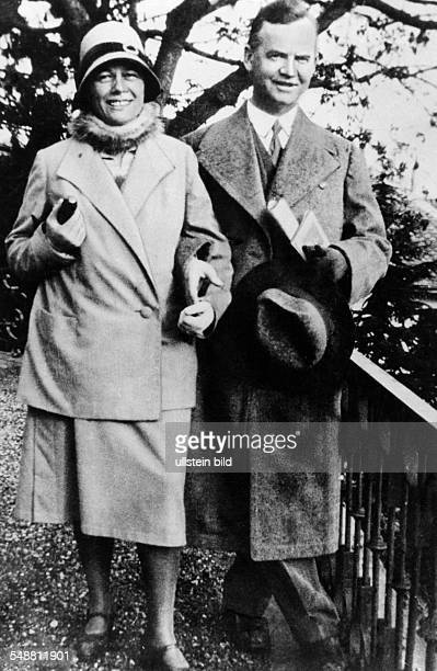 Luebke Heinrich Politician D *14101894 President of the Federal Republic of Germany from 1959 to 1969 Portrait with his wife Wilhelmine in Berlin...