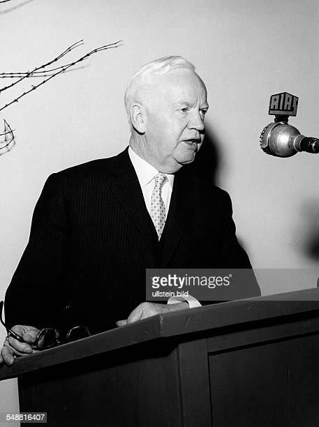 Luebke, Heinrich - Politician , D *14.10.1894-+ President of the Federal Republic of Germany from 1959 to 1969 - Portrait, giving a speech - February...