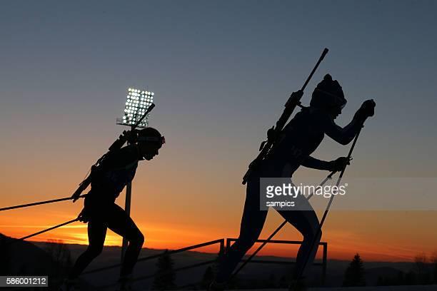 läuferin im Sonnenuntergang allgemein Biathlon women Frauen 75 km Sprint im Laura Cross Country Biathlon Centre olympic winter games 2014 sochi...