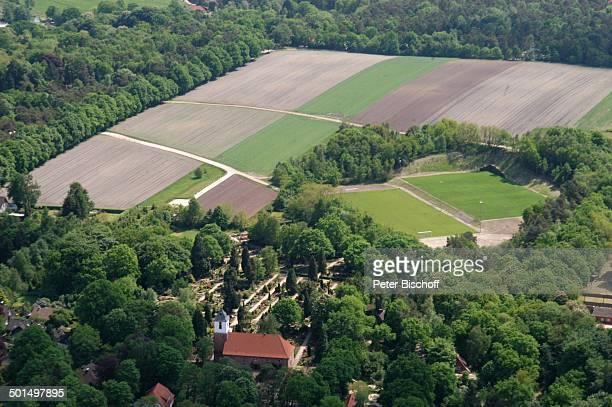 Luftaufnahme der Zionskirche und Weyerberg Worpswede Teufelsmoor Niedersachsen Deutschland Europa Künstlerdorf Künstlerkolonie Kirche Reise BB DIG...