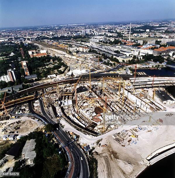 Luftaufnahme: die Baustelle vom neuen Fernbahnhof