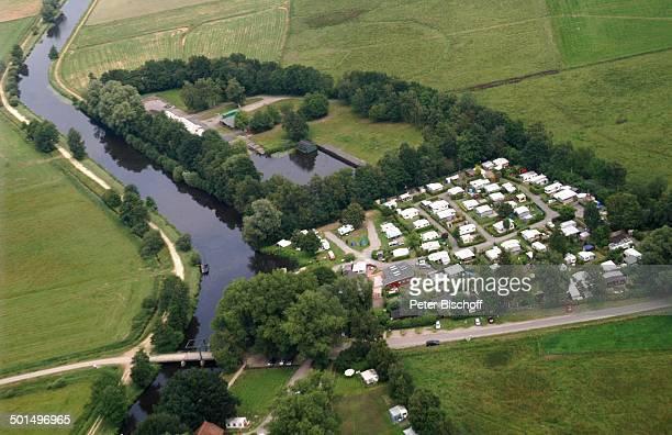 Luftaufnahme vom Campingplatz am Fluss Hamme in Hammeniederung Neu Helgoland Worpswede Teufelsmoor Niedersachsen Deutschland Europa Künstlerdorf...