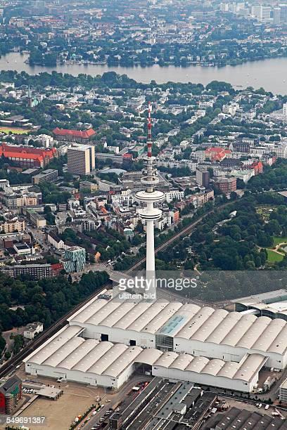 Luftbild Hamburger Fernsehturm und Hallen der Hamburg Messe Hamburger Messehallen HeinrichHertzTurm Fernmeldeturm TeleMichel Funkturm Hansestadt...