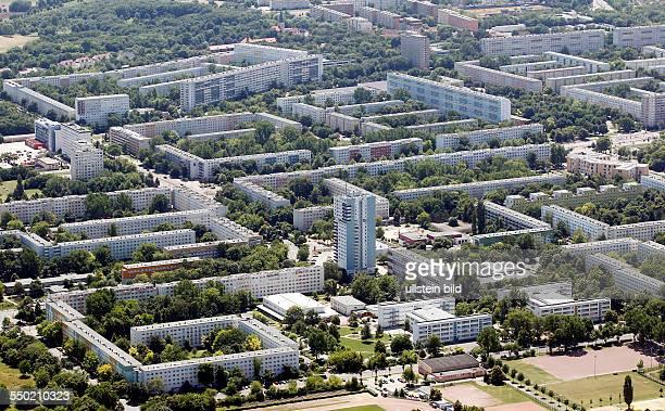 Luftbild Luftaufnahme Ansicht Halle Saale Sachsen Anhalt Halle Neustadt Plattenbausiedlung Platte Plattenbau Neubau