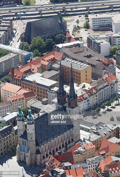 Luftbild Luftaufnahme Ansicht Halle Saale Sachsen Anhalt Saale Ansicht Markt Marktplatz mit Roter Turm und Marktkirche Unser Lieben Frauen , auch...