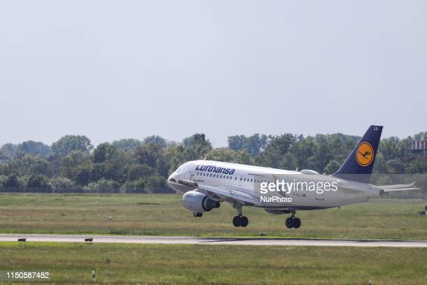 Lufthansa Airbus A319100 aircraft with registration DAILU landing at Dusseldorf DUS EDDL International airport in Germany The airplane has 2 CFM565...
