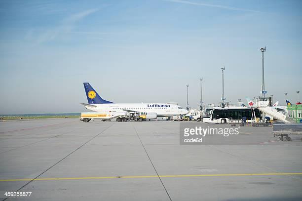 Lufthansa Boeing 737-300 pronto per il decollo al Frankfurt Airport