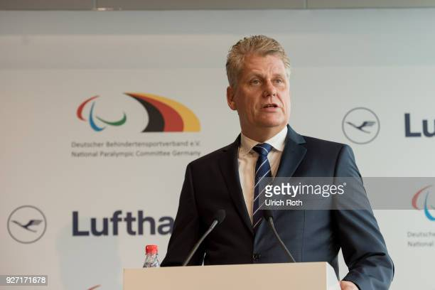 Lufthansa CEO Carsten Spohr speaks to the country's Paralympics team at Frankfort Airport on March 4 2018 in Frankfurt am Main Germany The team is...