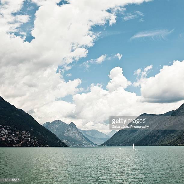 lugano lake - スイス ルガーノ ストックフォトと画像