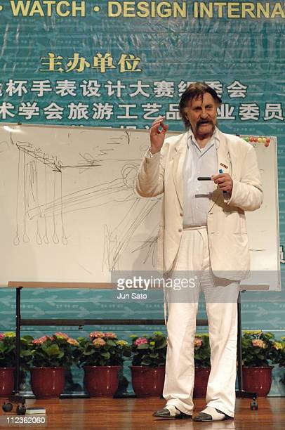Luigi Colani during Luigi Colani Makes a Speech for China ArtWatch at the Design International Top Forum at Shenzhen Special Zone Daily Building in...