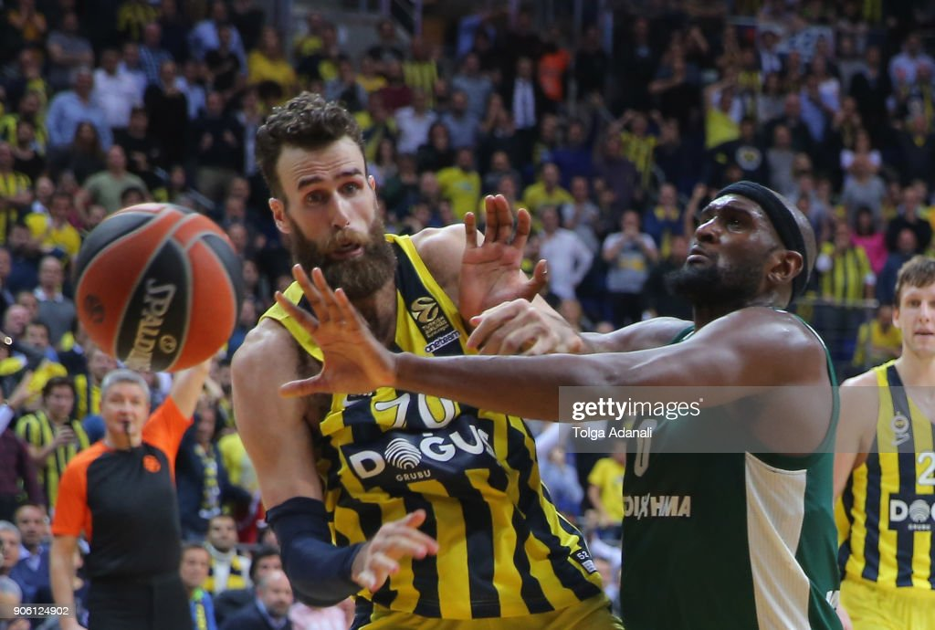 Luigi Datome, #70 of Fenerbahce Dogus in action with Chris Singleton, #0 of Panathinaikos Superfoods during the 2017/2018 Turkish Airlines EuroLeague Regular Season Round 18 game between Fenerbahce Dogus Istanbul and Panathinaikos Superfoods Athens at Ulker Sports and Event Hall on January 17, 2018 in Istanbul, Turkey.