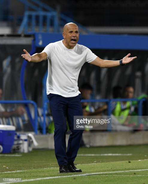 Luigi Di Biagio, Manager of SPAL issues instructions during the Serie A match between SPAL and AC Milan at Stadio Paolo Mazza on July 1, 2020 in...
