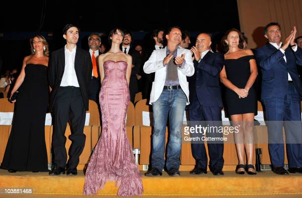 Luigi Lo Cascio and actress Francesca Inaudi Luca Zingaretti Fiona Shaw and Luca Barbareschi attend the 'Noi Credevamo' premiere during the 67th...