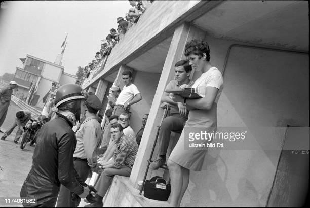Luigi Taveri und Ehefrau in Monza 1966